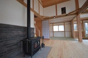 開放感のある薪ストーブのある家