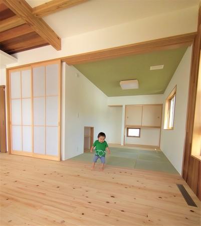 無垢材の子育て住宅